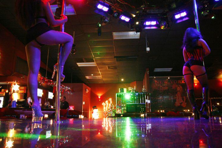 Strip Club Etiquette On Twitter